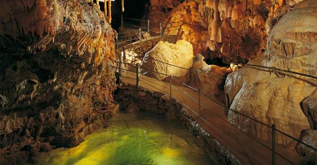 grottes de Dargilan